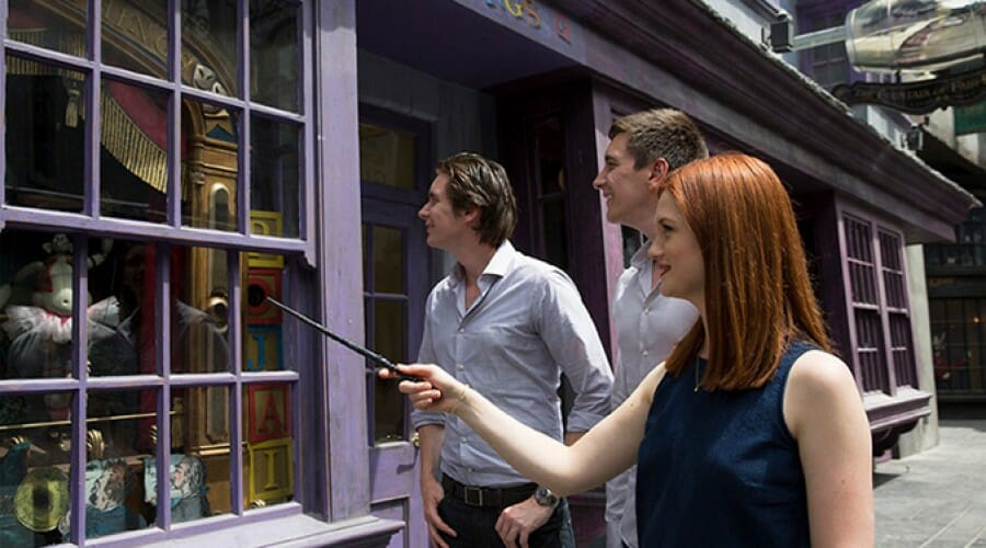 Interactive Wands Revealed in The Wizarding World of Harry Potter Diagon Alley and Hogsmeade