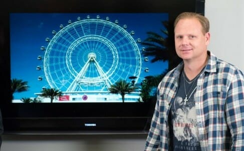 Daredevil Nik Wallenda Prepares to Walk on Spinning 400ft Orlando Eye