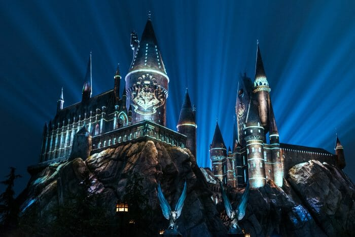 "Universal Orlando Announces ""The Nighttime Lights at Hogwarts Castle"""