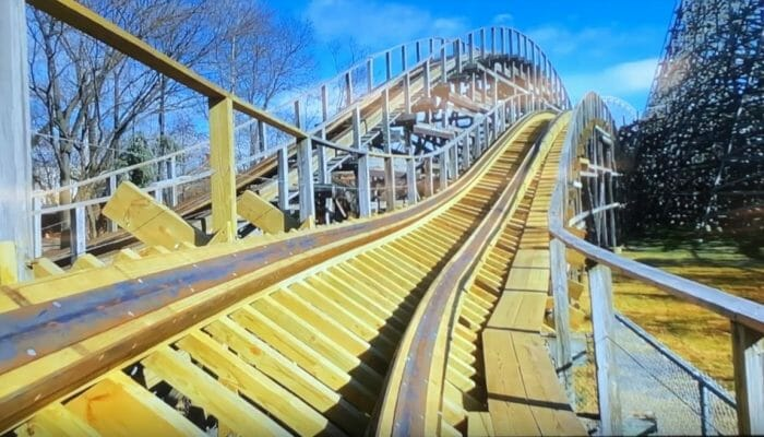 Kentucky Kingdom Off-Season Tour – King Louie's Winter Walk-Thru