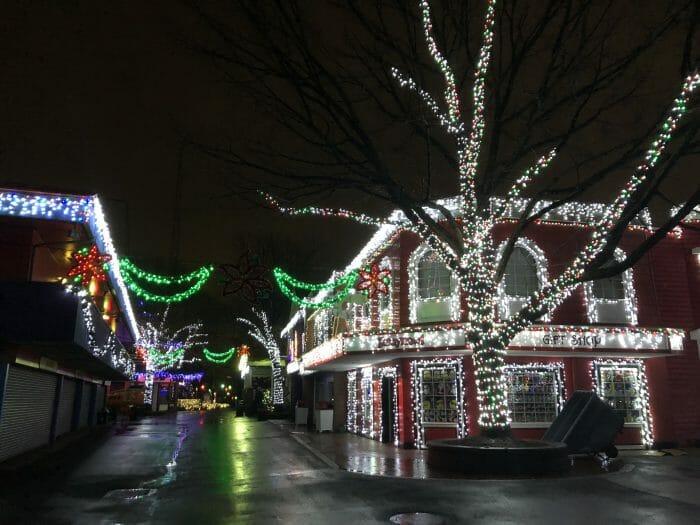 Holiday Lights Begins At Kennywood
