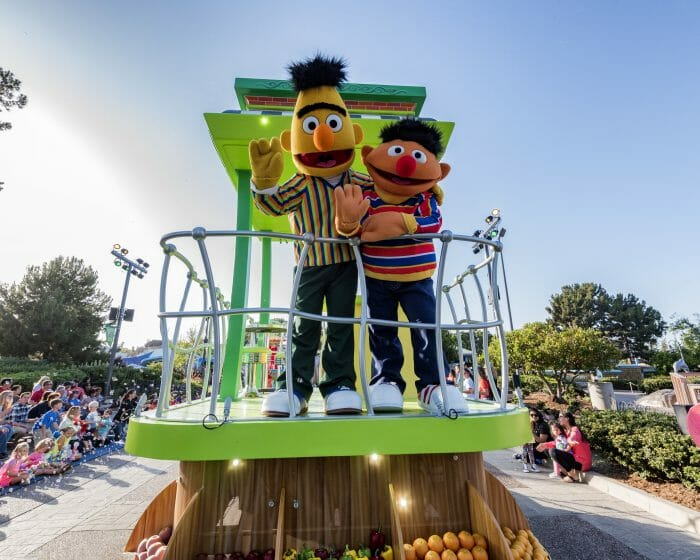 SeaWorld Celebrates Sesame Street's 50th Anniversary