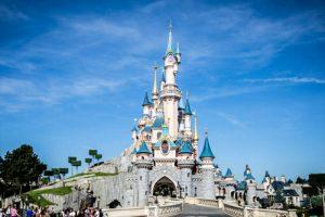 Disneyland Paris Extends Closure